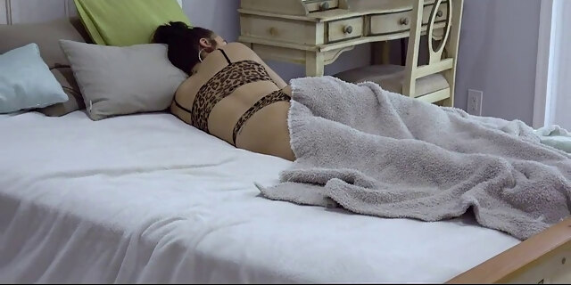 nerdy stepsis amina allure gets dicked